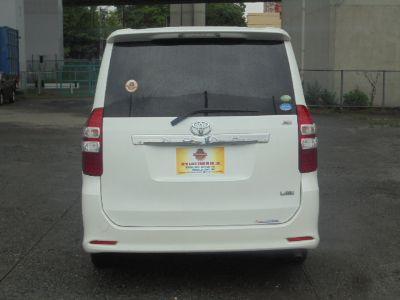 Toyota Noah GRND10007 full