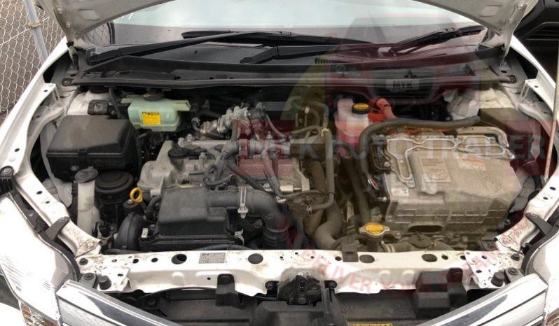 Toyota Corolla Fielder White KN10002 full